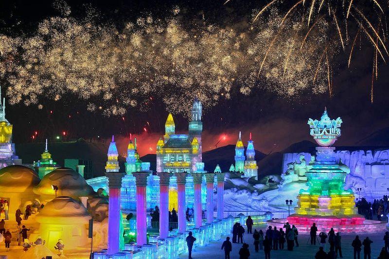 Trav-Harbin-Ice-Festival-18-20130108121209618450-940x628
